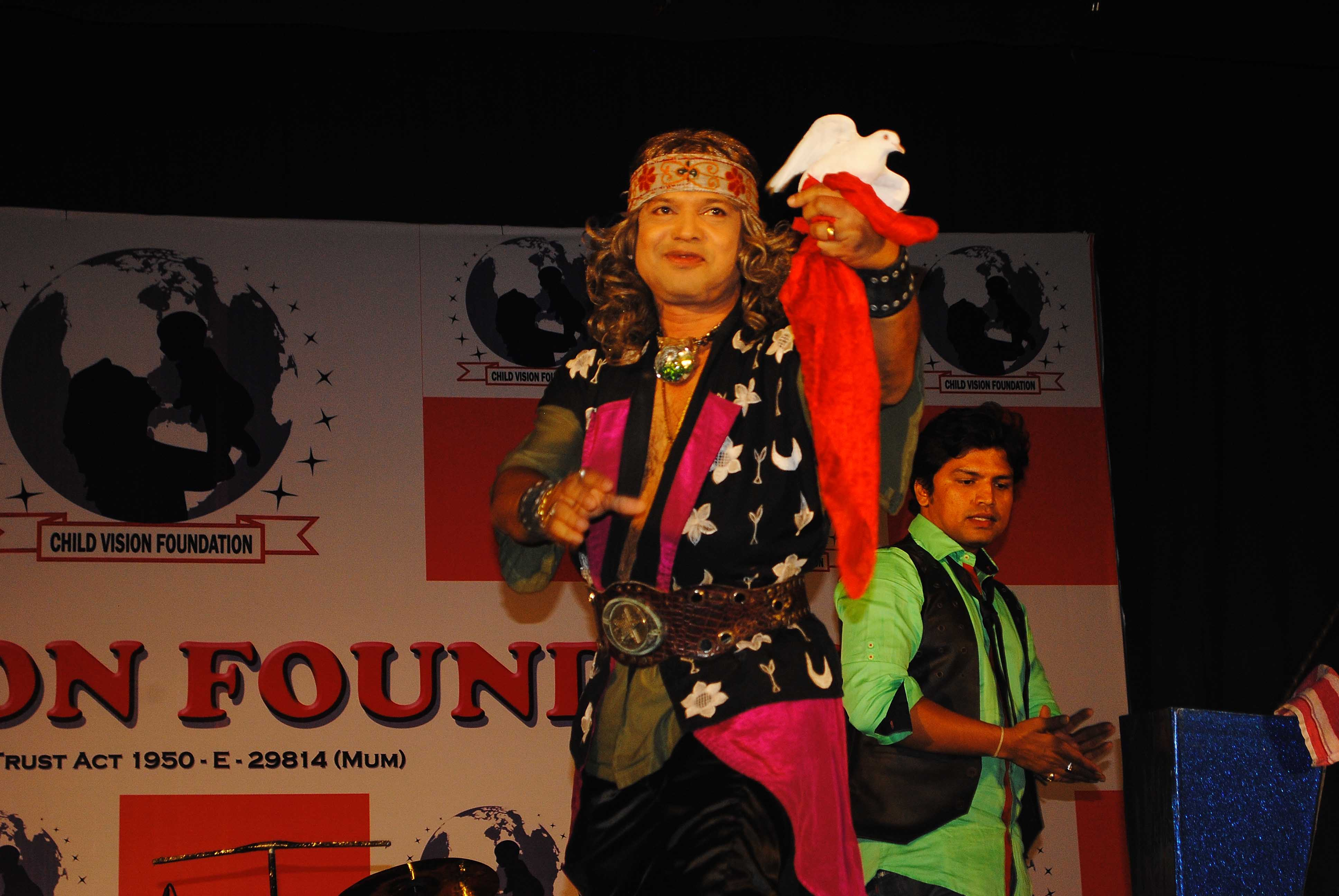 Magician Atul Patil At Child Vision Fondation 1