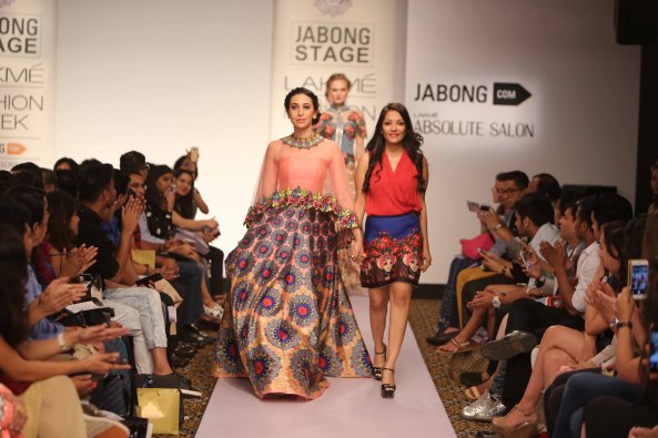 Designer Neha Agarwal with Showstopper Karisma Kapoor at Lakme Fashion Week SR 15