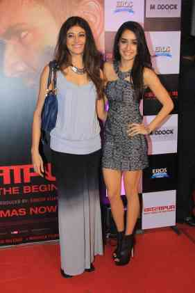 Pooja Batra and Shraddha Kapoor at the success bash of Badlapur at sofitel bandra (16)