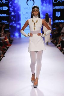Valliyan by Nitya at Lakme Fashion Week Summer Resort 2015 (15)