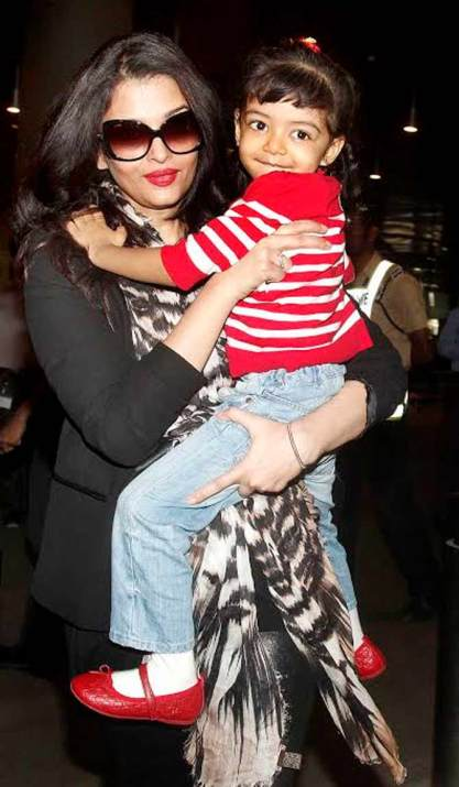 Aishwarya with her little one - Taken by Paprazzi