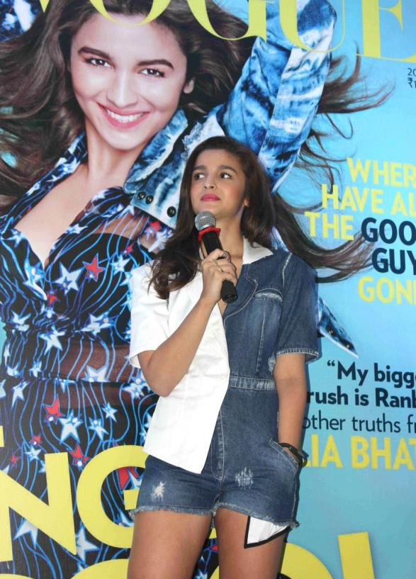alia-bhatt-launches-first-edition-of-miss-vogue-india-61