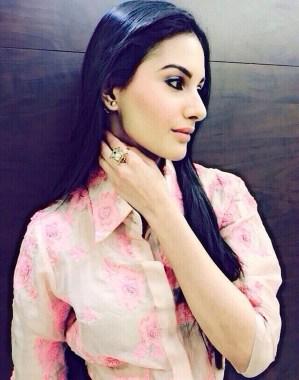 Amyra Dastur in Pallavi Singhee