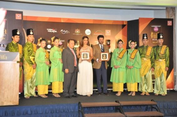 Bipasha Basu And Anil Kapoor with Zulkefli Hj Sharif CEO MyCEB at the II...