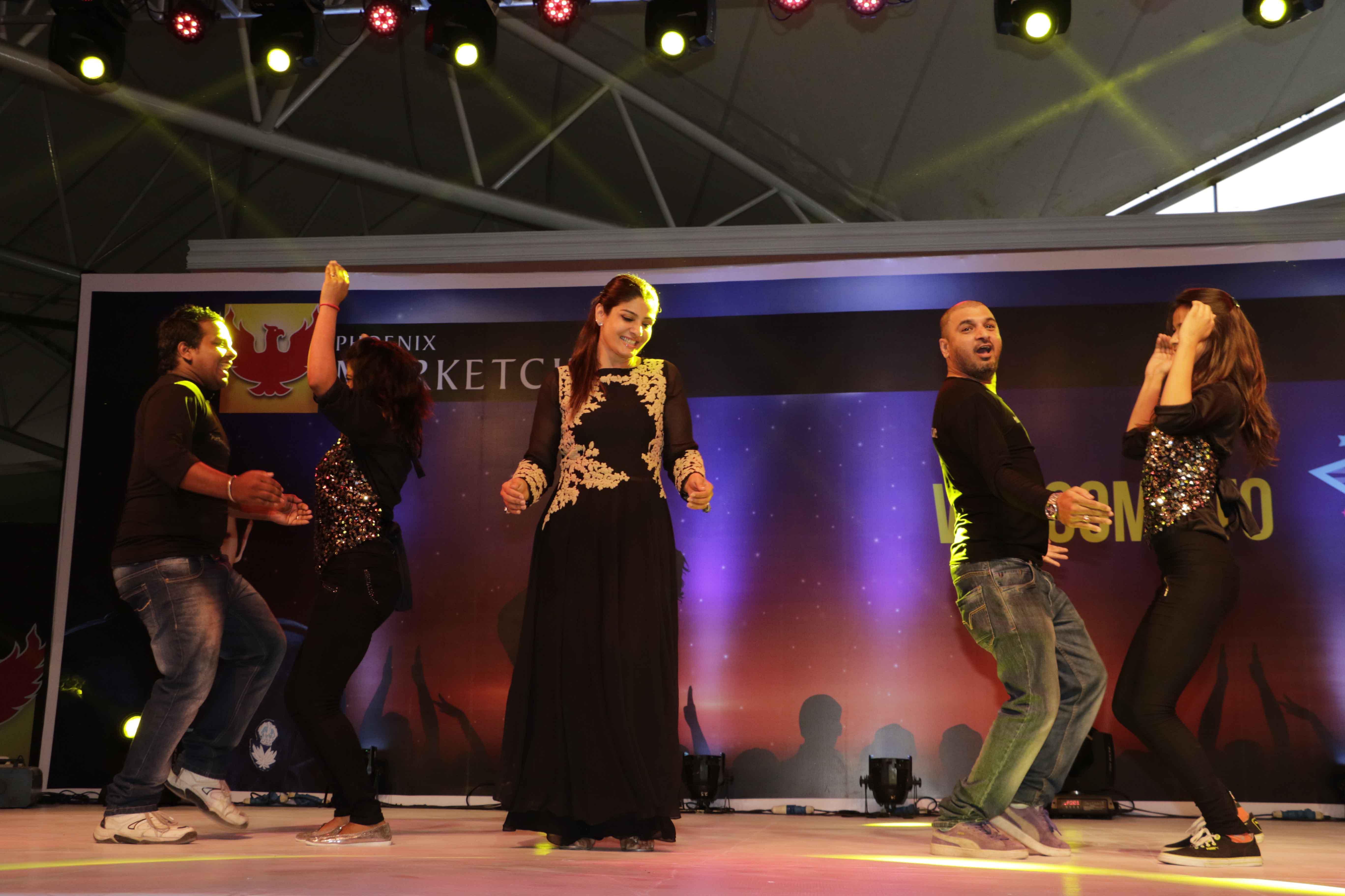 Raveena Tandon Performing 4