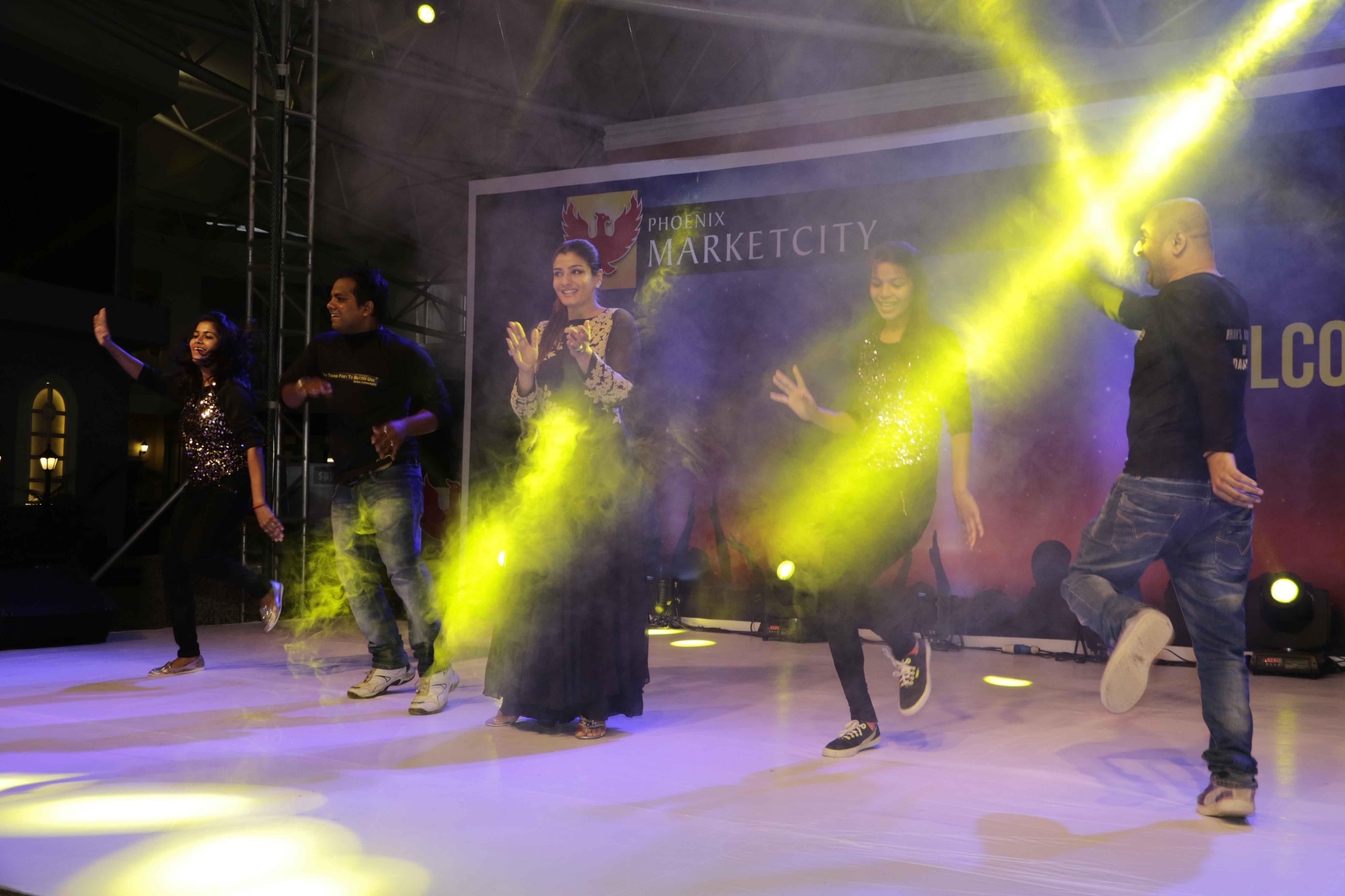 Raveena Tandon Performing