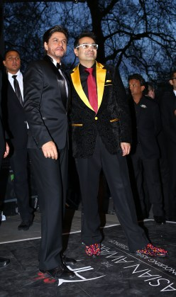 Shah Rukh Khan with Paul Sagoo, Founder Asian Awards