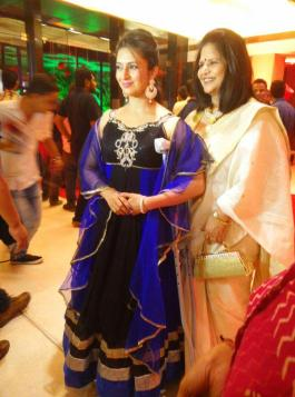 Divyanka Tripathi and her mother