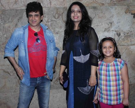 Dr. Palash Sen, Amruta Fadnavis and her daughter