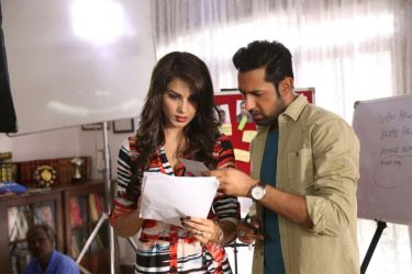 Gippy grewal and monica gill on sets of kaptaan (1)