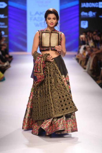 Rinku Sobti at LFW WF 2015 (2)