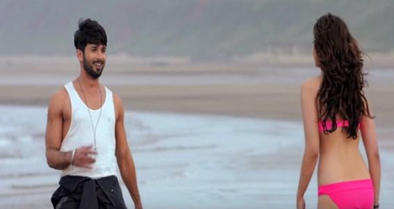 alia-bhat-in-hot-pink-bikini-shaandaar-movie-images