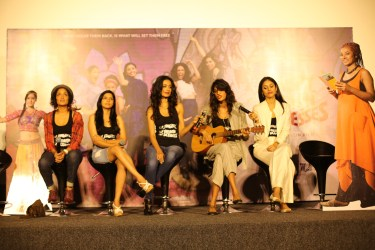 Starcast of the movie Angry Indian Goddesses (l-r) Sandhya Mridul, Rajshri Deshpande, Sarah Jane Dias , Anushka Manchanda and Pavleen signing to the meledious song of Zindagi at the movies trailer launch