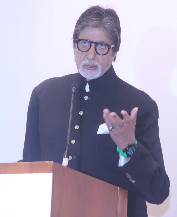 Amitabh Bachchan at launch of book BREAD BEAUTY REVOLUTION (37)