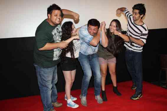 Rishabh Arora, Daina Khan, Sunny Deol, Aanchal Munjal and Shivam Patil (5)