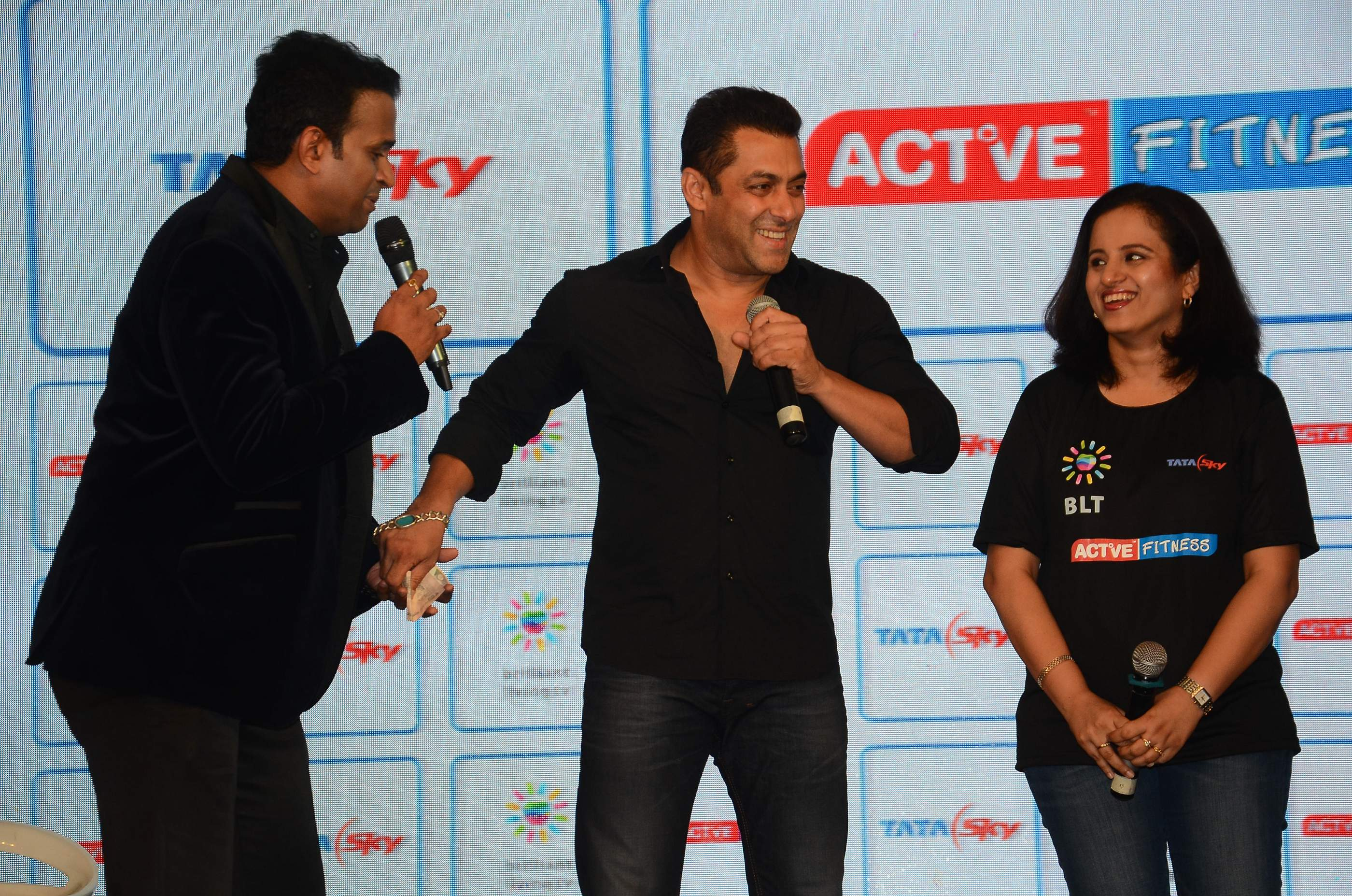 Siddharth Kannan and Salman Khan (4)