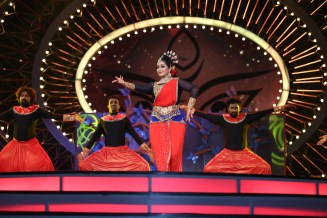 Priyamani performing at IIFA UTSAVAM 2016