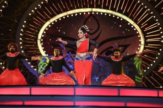 Priyamani performing at IIFA UTSAVAM 2016
