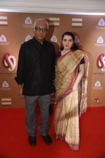 Atul Dodiya with wife