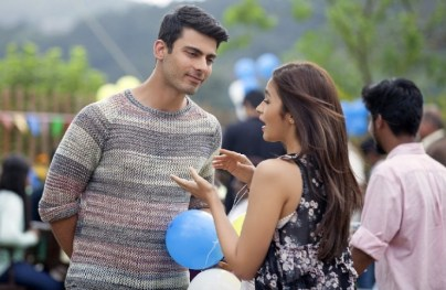 Alia-Bhatt-Fawad-Khan-Song-Still-from-Kapoor-and-Sons-740x483