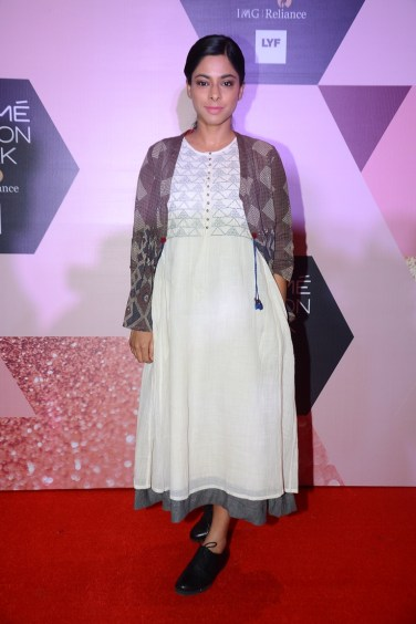 Sugandha Garg wearing Indigene by Jaya & Ruchi at LFW - curtain riaser (4)