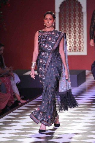 Anita Dongre Couture 2016 (15)