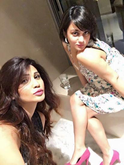 Daisy Shah & Shweta Rohira (2)