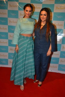 Evelyn Sharma with Designer Jhelum Gopal Dalvi at JFH launch (1)
