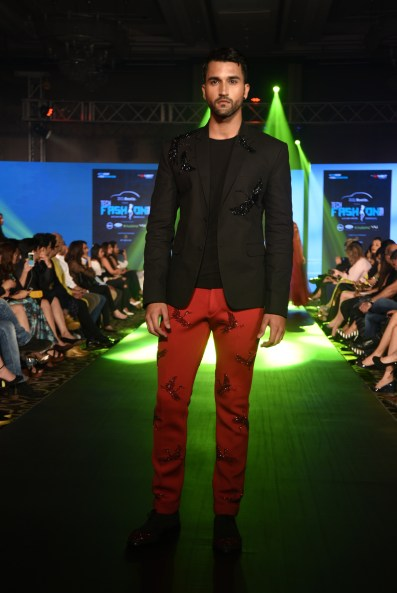 03-model-walking-the-ramp-for-designer-rajat-tangri-tech-fashion-tour-2016