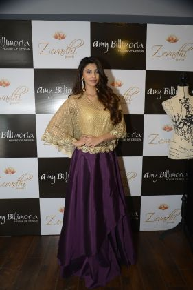 04 Daisy Shah @ Amy Billimoria House of Designer & Zevadhi Jewels Festive Collection launch soiree