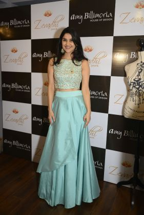 14 RJ Archana @ Amy Billimoria House of Designer & Zevadhi Jewels Festive Collection launch soiree