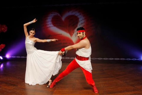 sandip-soparrkar-performing-with-alesia-raut-at-ncpa3