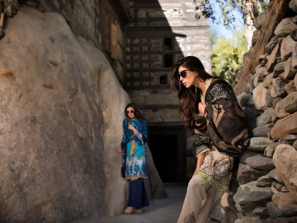 lakhany-silk-mills-winter-shawl-collection-13