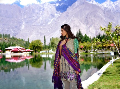 lakhany-silk-mills-winter-shawl-collection-14