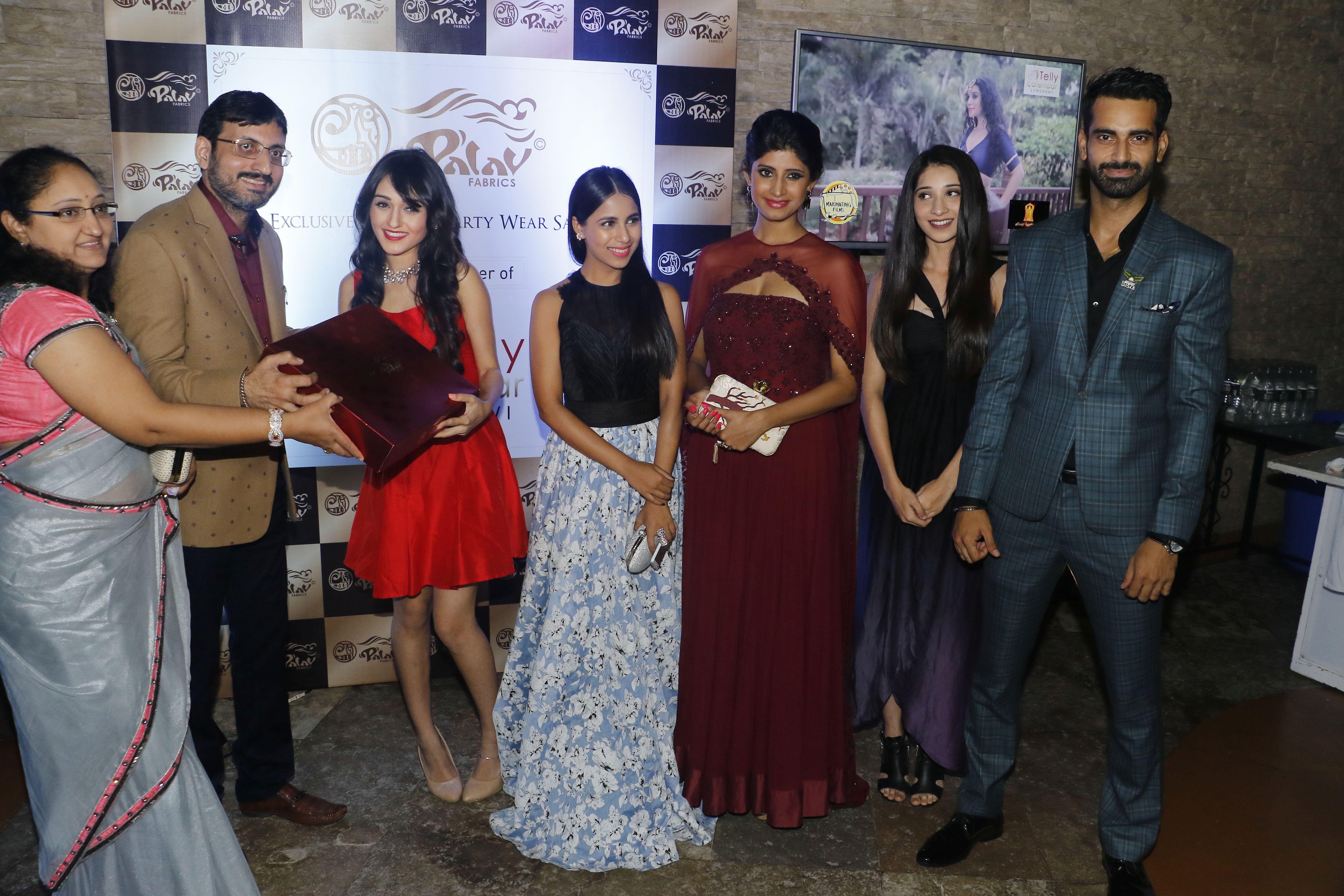 mr-kalpesh-modh-founder-palav-fabrics-and-sunny-arora-director-marinating-films-along-with-the-calendar-girls-the-launch-of-telly-calendar-2017-langkawi