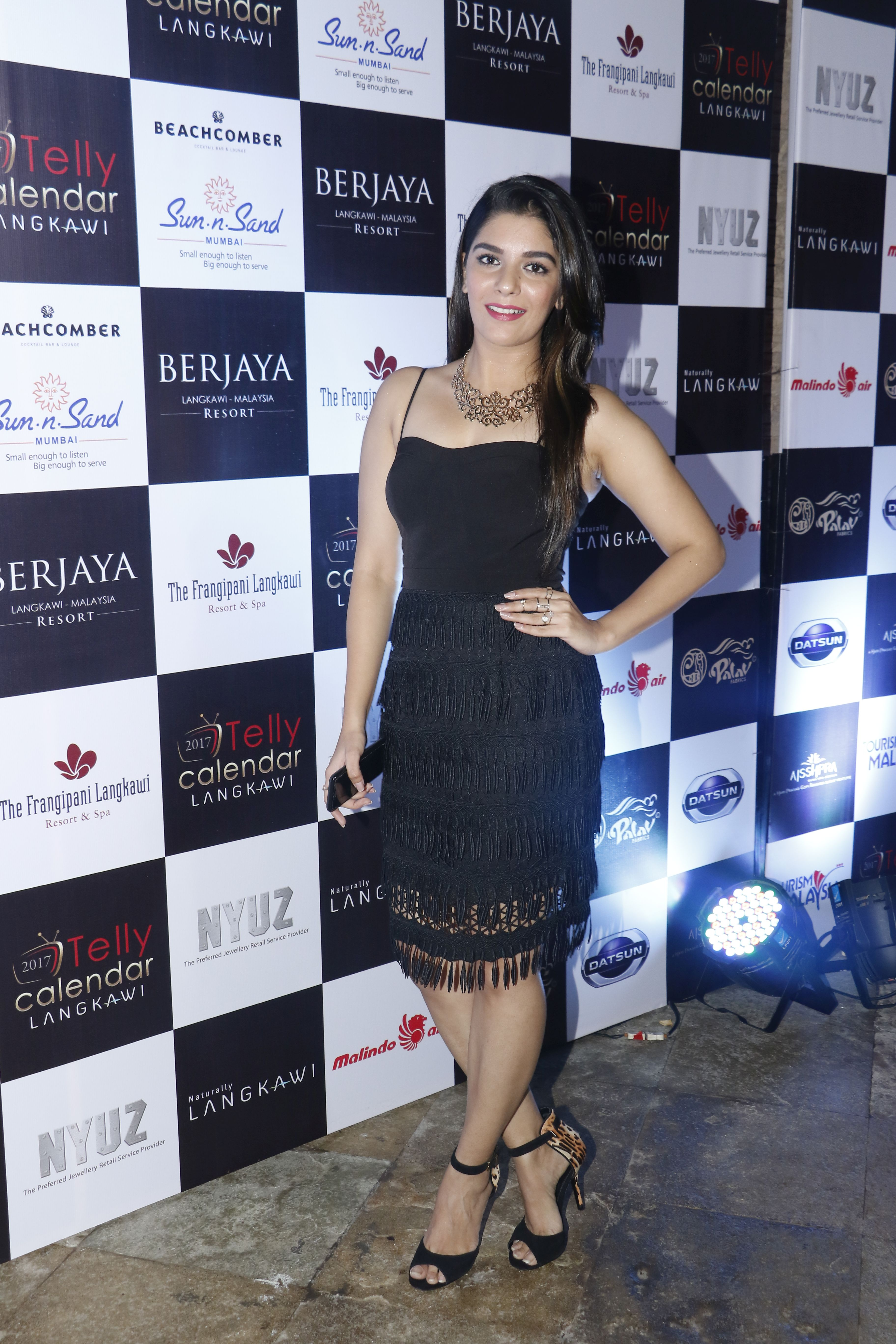 pooja-gor-the-launch-of-telly-calendar-2017-langkawi