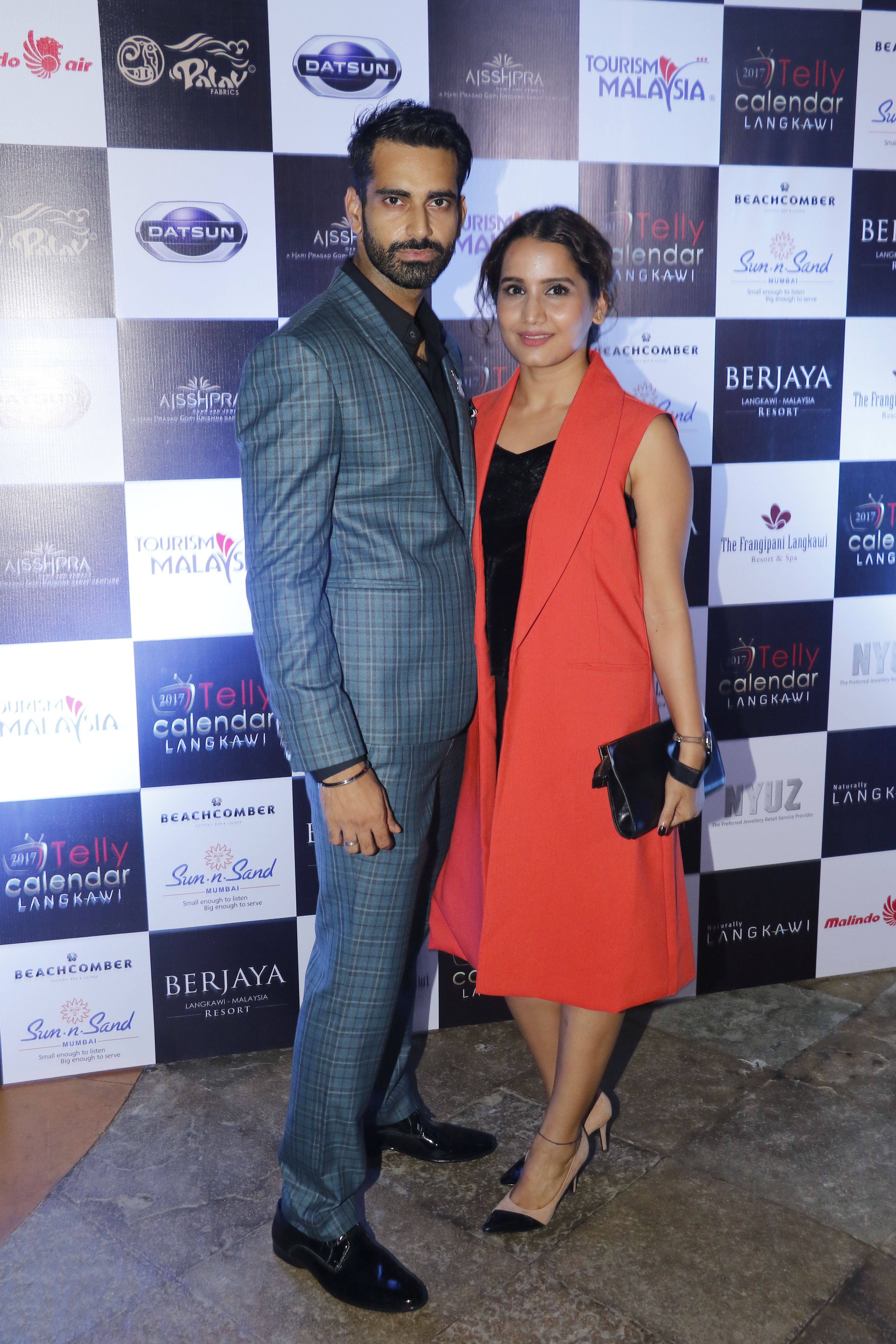 sunny-arora-and-ananya-arora-the-launch-of-telly-calendar-2017-langkawi