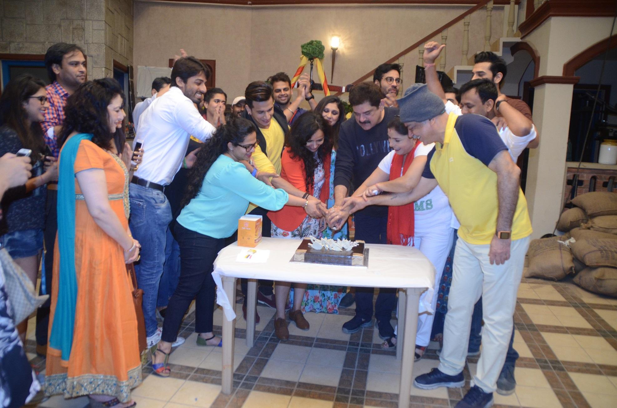 group-cutting-cake