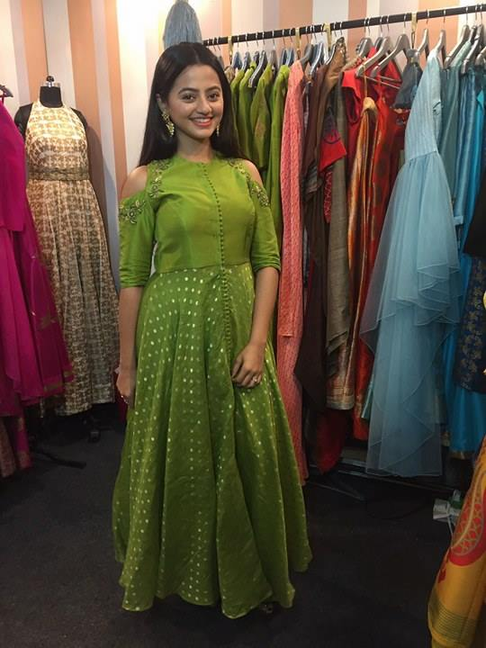 actor-helly-shah-lakme
