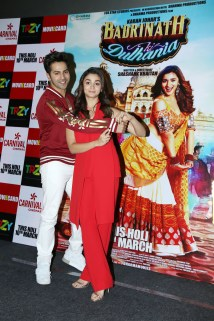 badrinath-ki-dulhania-press-conference-at-odeon-carnival-cinemas-in-delhi-8