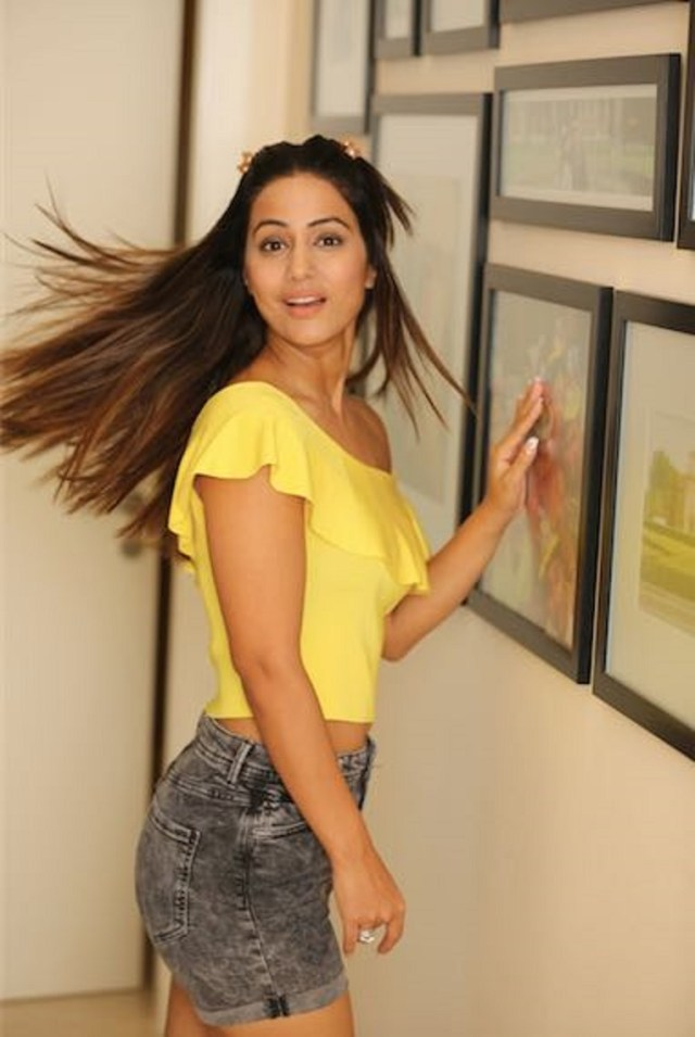 Hina Khan Plays By The Rules And Gets Immunity At The Bigg Boss House