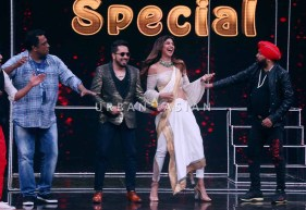 on the sets of Super Dancer2 2