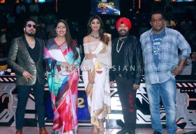 on the sets of Super Dancer2