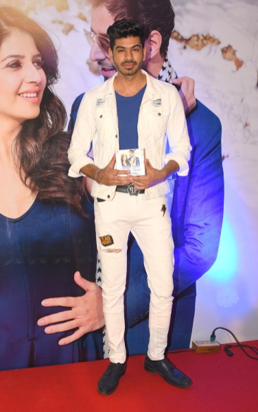 17. Yash Wadali during BIN TERE SANAM single launch by VENUS DSC_2391