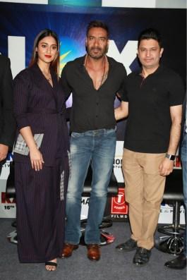 Ajay Devgn and Illeana D'Cruz at Inox Launch in Delhi (2)
