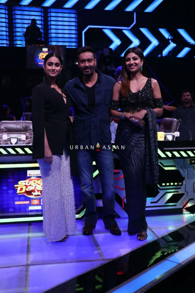 Ajay with Ileana and Shilpa Shetty on the sets of Sony Television's Super Dancer Chapter 2