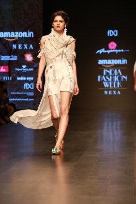 Anupama Dayal Amazon Fashion Week 2018 (5)