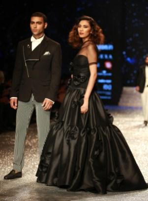 Gauri and Nanika Amazon Fashion Week 2018 (34)