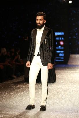 Gauri and Nanika Amazon Fashion Week 2018 (35)
