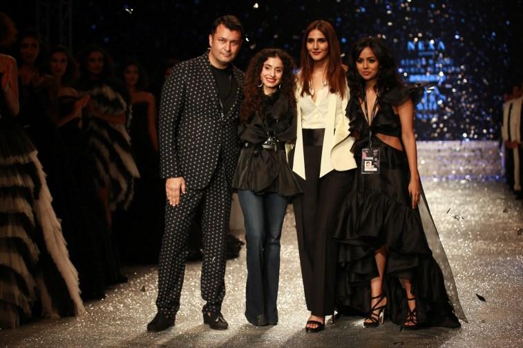 Gauri and Nanika Amazon Fashion Week 2018 (8)